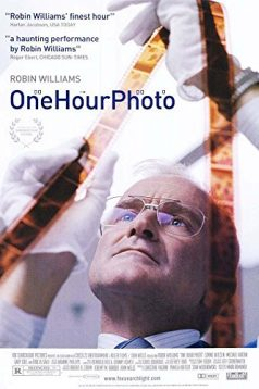One Hour Photo 1080p izle 2002